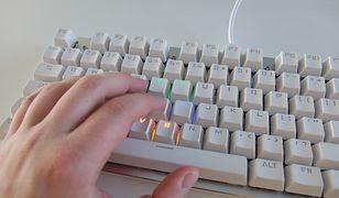 Testujemy klawiaturę dla gracza z Biedronki [WIDEO]