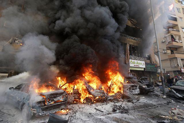 Auta stanęły w ogniu, zginęły 4 osoby - zdjęcia