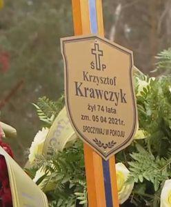 Pożegnanie Krzysztofa Krawczyka. Morze kwiatów na grobie gwiazdora