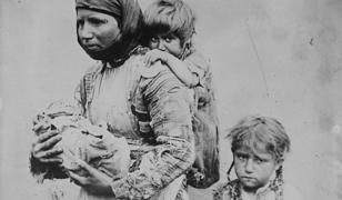 Ofiarami czystek rasowych jeszcze przed wybuchem I wojny światowej byli Ormianie. Szacuje się, że w latach 1894-1896 zginęło ich około 80 tys.