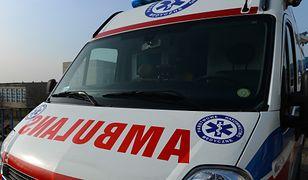 Dramat w Kramsku. 37-letnia kobieta zaatakowała nożem swoje dzieci