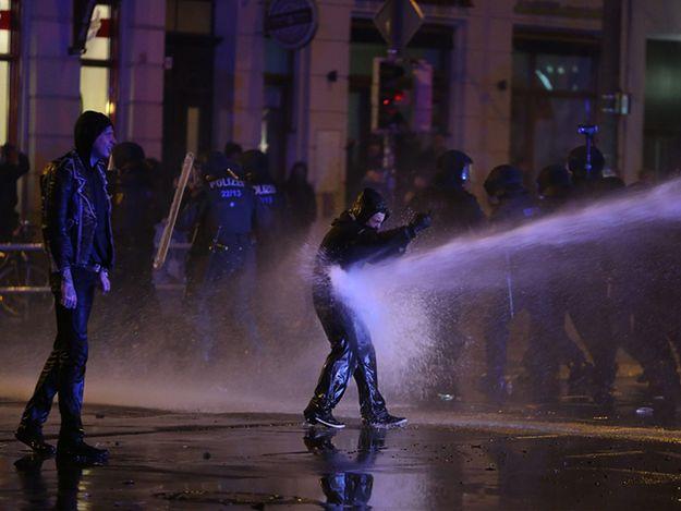 69 niemieckich policjantów rannych podczas starć z demonstrantami w Lipsku