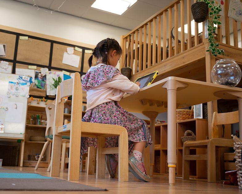 Dziecko zakaziło się koronawirusem w szkole. Czy można ubiegać się o odszkodowanie?