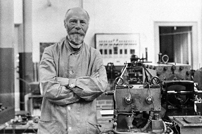 Willem Einthoven w Google Doodle. Czym zasłynął holenderski fizjolog?