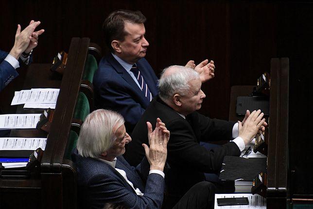 """Sejm przyjął ustawę """"dyscyplinującą sędziów"""". Nowelizacja skierowana do prezydenta"""