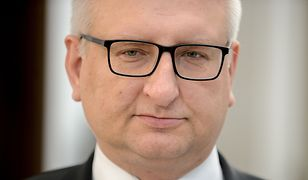 """Według ankietowanych, jeśli potwierdzą się doniesienia """"Faktu"""", poseł Stanisław Pięta powinien zniknąć ze sceny politycznej"""