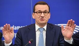 Premier Mateusz Morawiecki podczas konferencji prasowej w Strasburgu