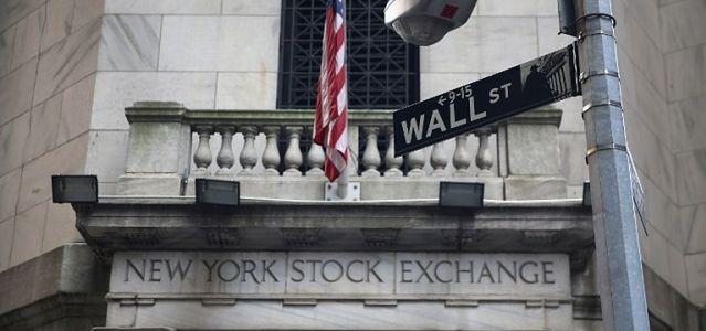 Mocny początek na Wall Street