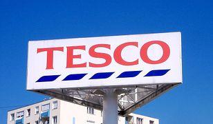 Tesco zamknie kolejne 32 sklepy. Podajemy pełną listę likwidowanych placówek.