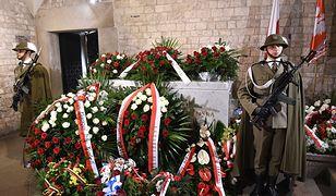Grób Lecha i Marii Kaczyńskich w Krypcie na Wawelu