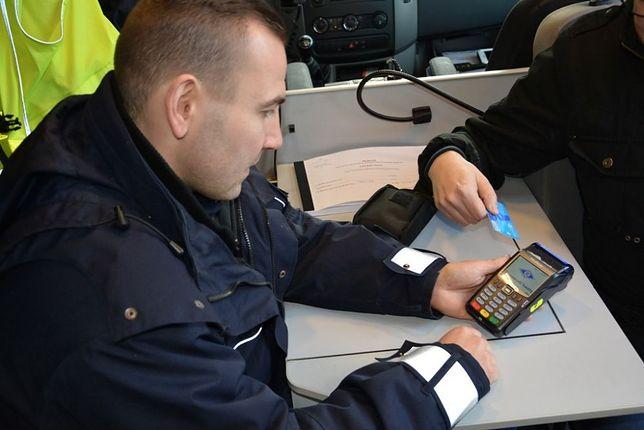Terminale ułatwią karanie kierowców zameldowanych za granicą