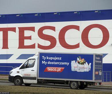 Tesco wprowadza limity zakupów on-line. Nie będą mogły ważyć więcej niż 80 kilogramów