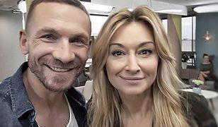 Kossakowski mimo, że funkcjonuje w tv od dawna, stał się popularny dzięki związkowi z Martyną Wojciechowską