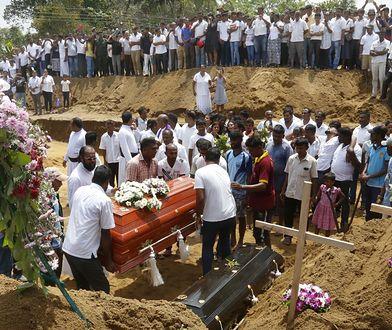 Pogrzeb ofiar zamachów na Sri Lance