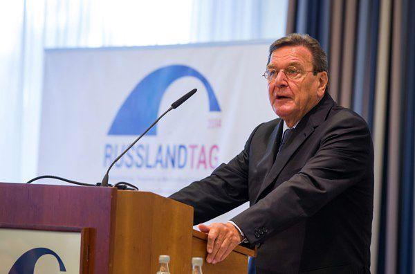 Gerhard Schroeder: rozumiem obawy Rosjan, nie Polaków