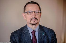 """Dr Jacek Krajewski o decyzjach Ministerstwa Zdrowia: """"System nie wytrzyma"""" (WIDEO)"""