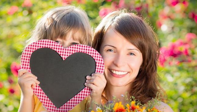 Dzień Matki – 26 maja 2019. Najpiękniejsze życzenia  i wierszyki dla matek, gotowe do podarowania na kartce, laurce lub wysłania w formie SMS