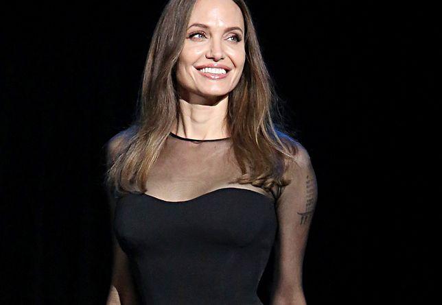 Angelina Jolie jako blond piękność. Imponująca metamorfoza do roli