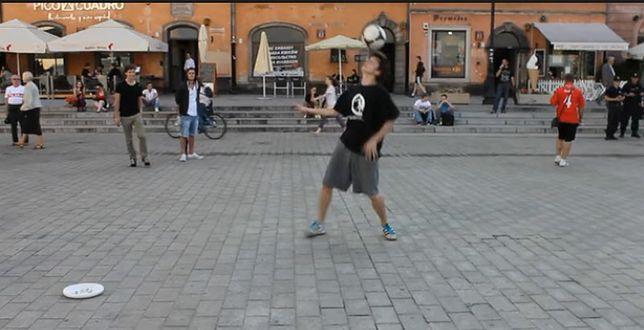 Niezwykły pokaz piłkarskich umiejętności (WIDEO)