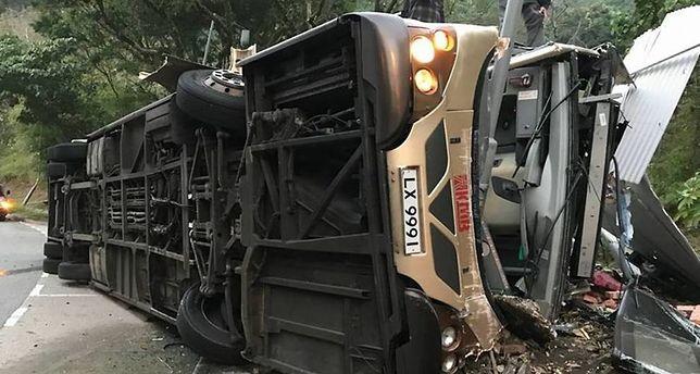 Katastrofalny wypadek autobusu w Hongkongu. 19 osób nie żyje