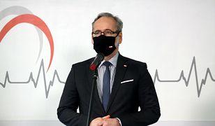 Minister Adam Niedzielski zaszczepiony. Stał w kolejce na Stadionie Narodowym
