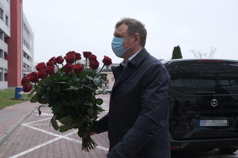 Prezes TVP i wielka miłość pod szpitalem. Jacek Kurski, jakiego nie znacie!