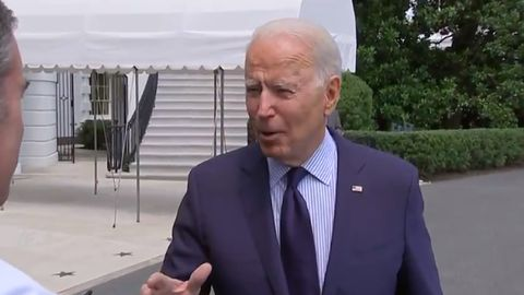 """Joe Biden o Facebooku: """"Oni zabijają ludzi"""". Czy miał rację?"""