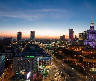 Jak dojechać z centrum Warszawy na lotnisko Chopina?