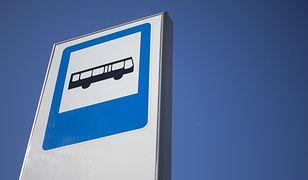 Warszawa. Autobus zamienił się w karetkę. Zawiózł nieprzytomną do szpitala