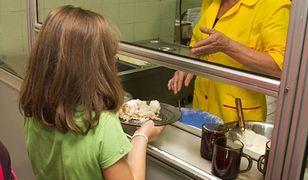 Rząd w ciągu roku planuje przeznaczyć 550 mln zł na walkę z niedożywieniem dzieci