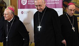 Od lewej abp Marek Jędraszewski, przewodniczący KEP abp Stanisław Gądecki, prymas Polski abp Wojciech Polak