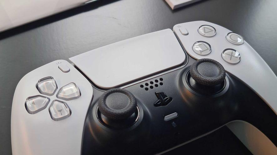 PlayStation 5 DualSense, fot. dobreprogramy (Piotr Urbaniak)