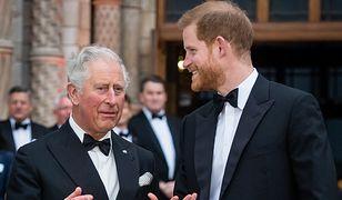 Książę Karol jest wściekły. Po wystąpieniu Harry'ego martwi się tak, jak martwił się o Dianę