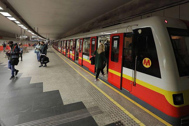 Metro Warszawskie. Czy nocne kursy zostaną wznowione? Jest decyzja