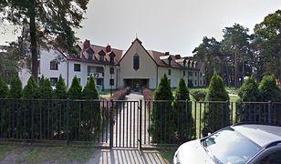 Ksiądz skazany za molestowanie 11-latka pracuje w Otwocku. 200 metrów dalej jest szkoła podstawowa