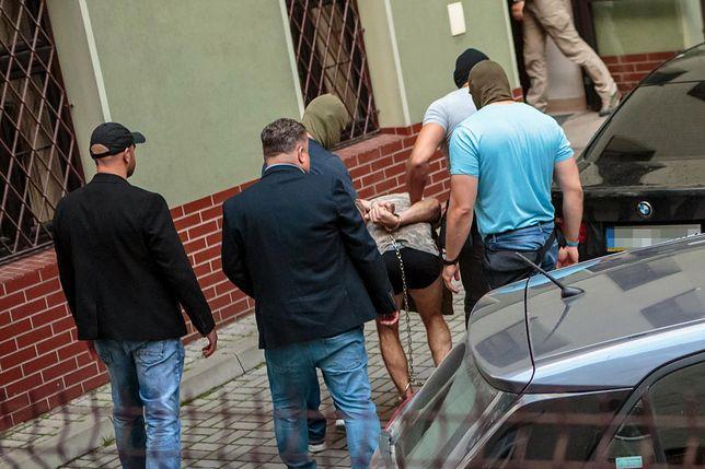 Mężczyzna został doprowadzony do prokuratury w niedzielę po południu