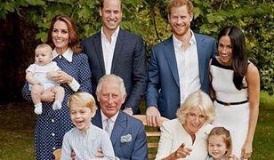 Zdjęcia księcia Karola z wnukiem są przeurocze. Mały Louis spłatał dziadkowi figla