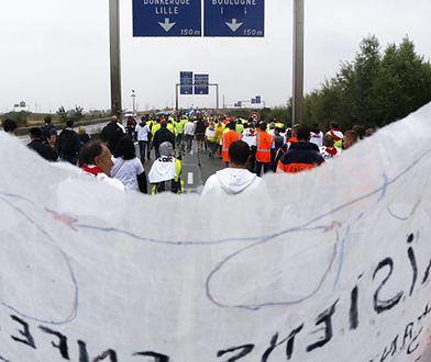 Francja buduje czterometrowy mur na granicy