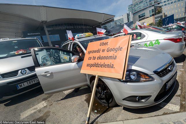 Protest warszawskich taksówkarzy przeciwko działalności Ubera