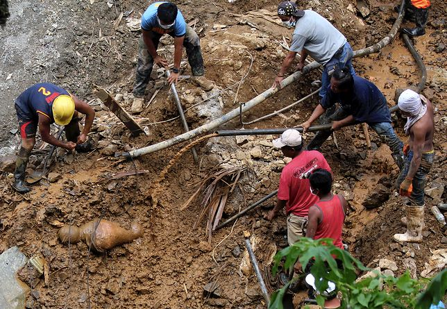Filipiny: osunęła się ziemia. Ofiary proszą o pomoc w SMS-ach