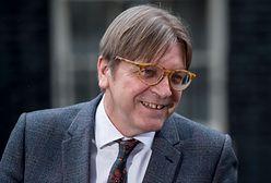 """Guy Verhofstadt jest zadowolony z działań rządu. """"Pierwszy dobry krok dla ludzi w Polsce"""""""