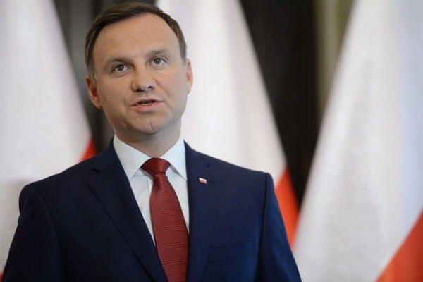 Prezydent Andrzej Duda chce wyjaśnień w sprawie kibica Legii, Macieja Dobrowolskiego
