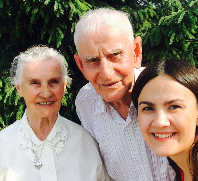 Maria i Antonii Kuraś z wnuczką Agnieszką