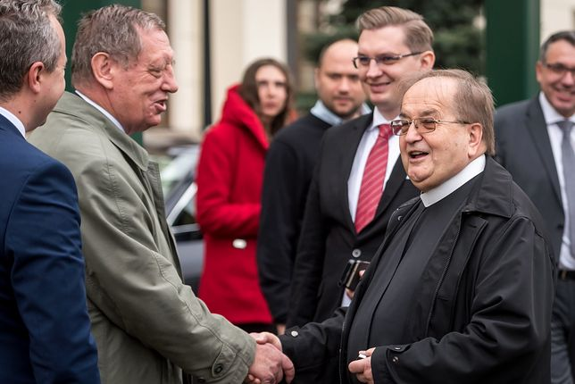 Tadeusz Rydzyk i Jan Szyszko podczas inauguracji roku akademickiego w Wyższej Szkole Kultury Społecznej i Medialnej w Toruniu