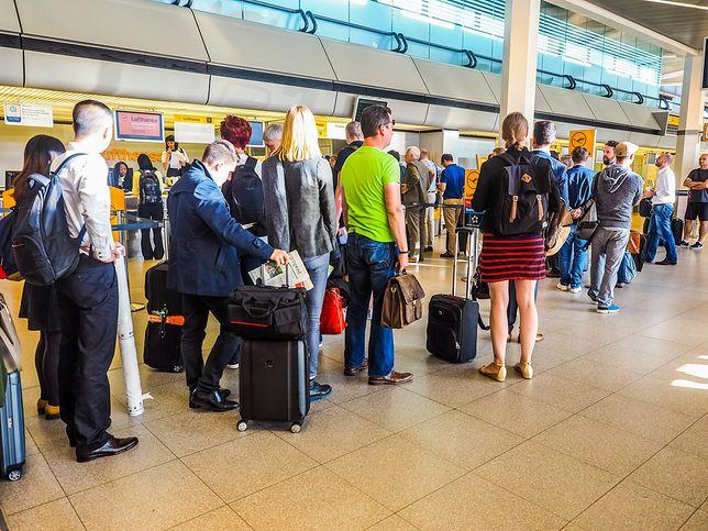 Pasażerowi musieli czekać 2,5 godziny na kolejny lot