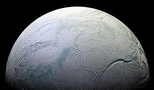 Tajemnica księżyca Saturna odkryta. NASA do tej pory nie miała odpowiedzi