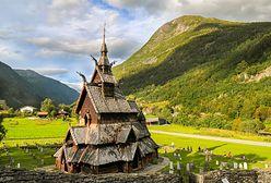 Naukowcy zajrzeli pod deski średniowiecznych kościołów. Znaleźli tam niesamowite skarby