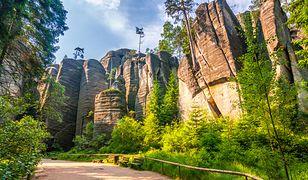 Skalne Miasto w Adrspach na terenie Czech to coś dla całej rodziny przez cały rok