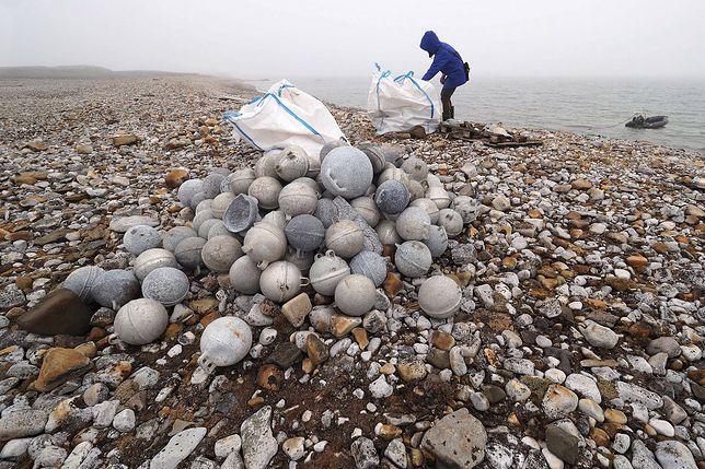Polacy sprzątają Arktykę. Świat powinien brać z nich przykład