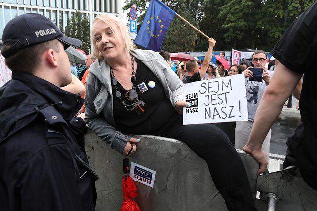 Protest przed Sejmem był burzliwy